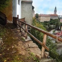 Před opravou - kamenná zeď na zámku Český Krumlov