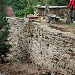 Kamenná zeď Rožmitál na Šumavě