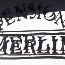 Pension - reklamní nápis
