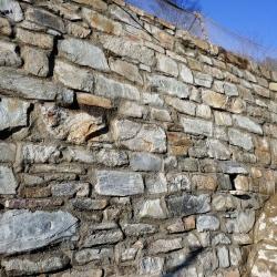 Výstavba nových opěrných zdí Horská zahrada, svah nad Rybářskou ulicí