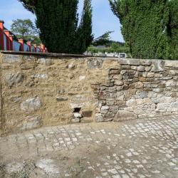 Hřbitov Kájov - kamenná zeď