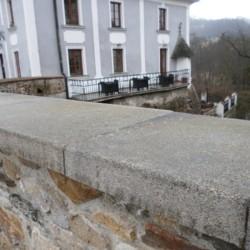 Krycí kamenná